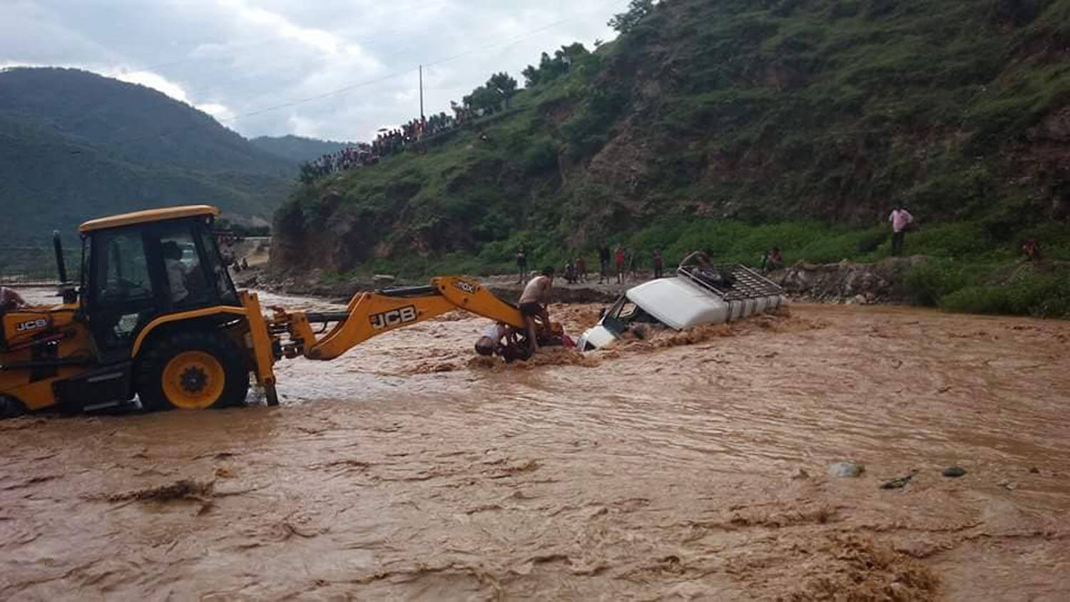 drowned vehicle in Salyan