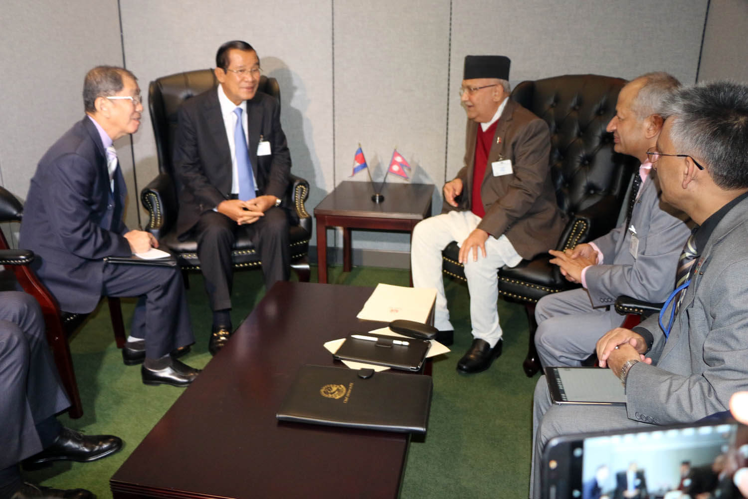 PM Oli with Cambodian PM