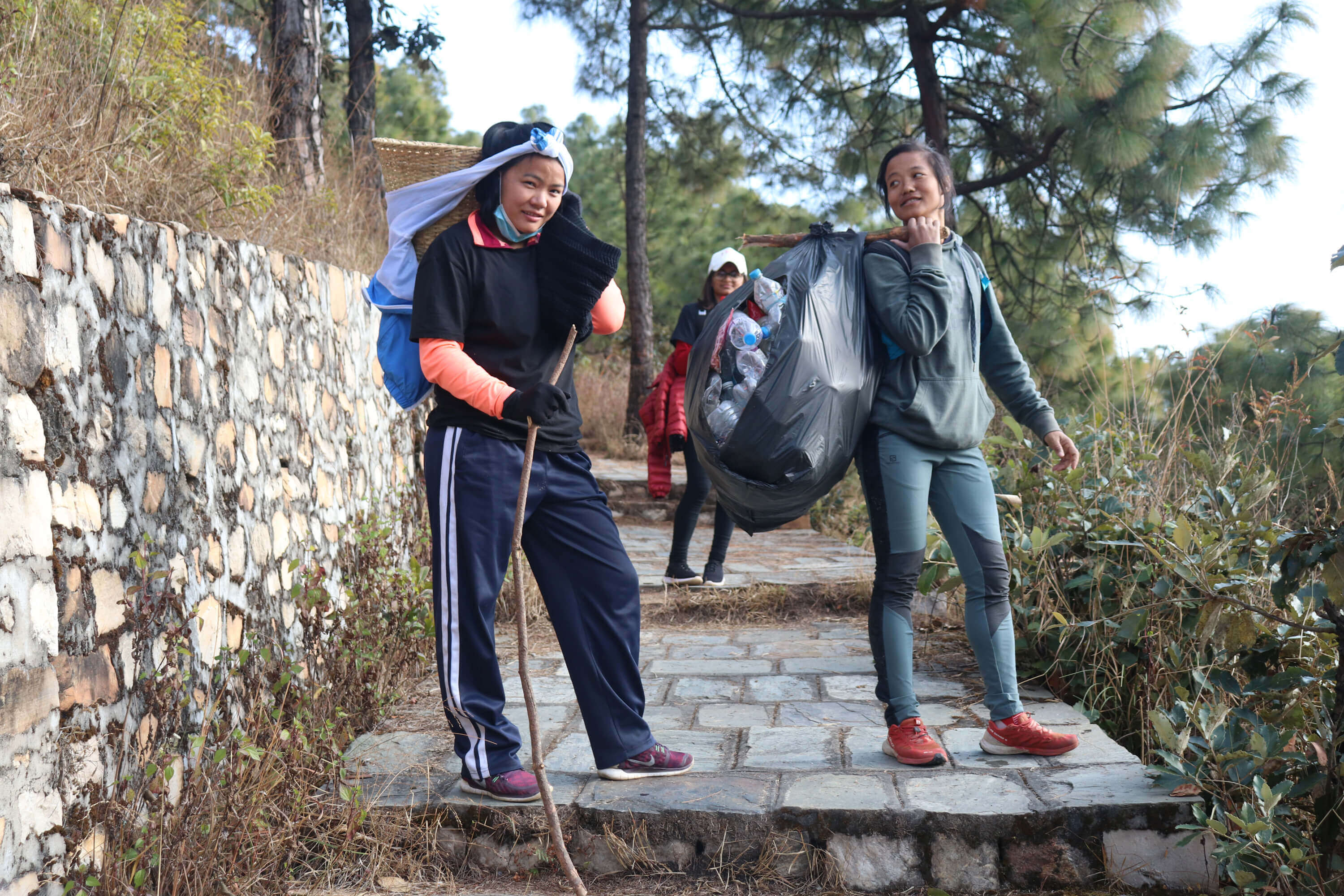 Nepali ultra-marathoner's anti-litter drive