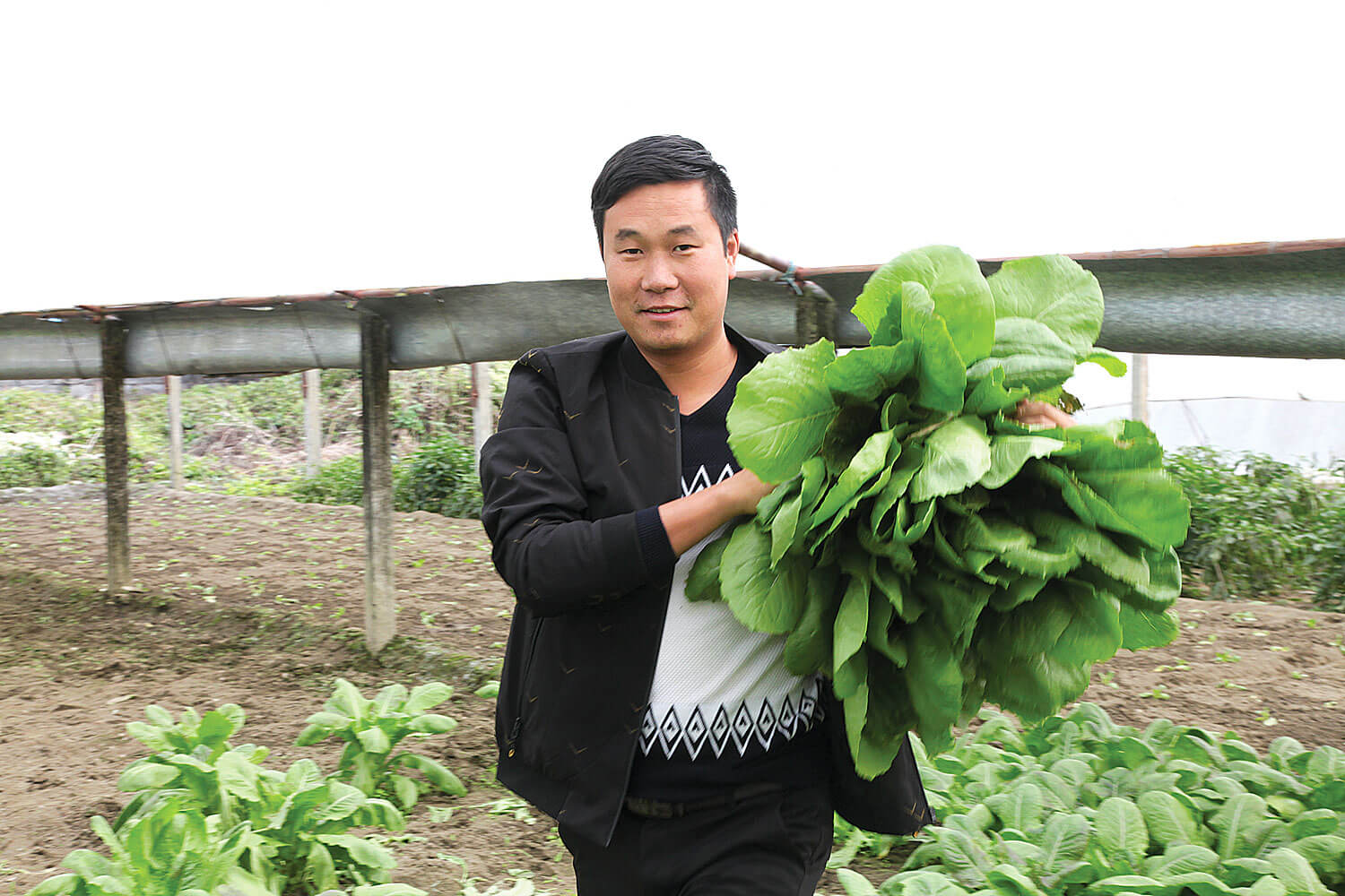 Chinese farmer strikes roots in Nepal
