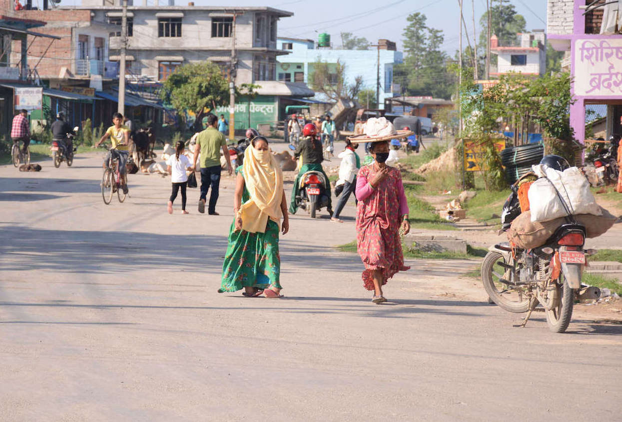 Amidst extension of the nationwide COVID-19 lockdown to last until 18 May, locals in Ghodaghodi, Kailali violate the rules of shutdown and crowd the streets.