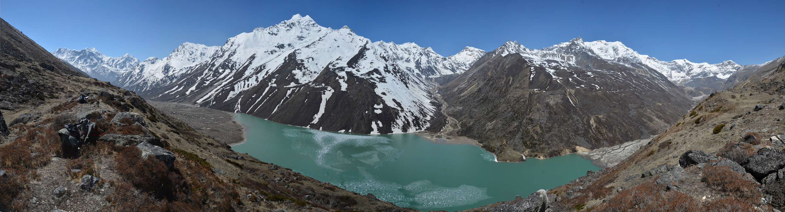 Tracing past glacial floods in Kangchenjunga