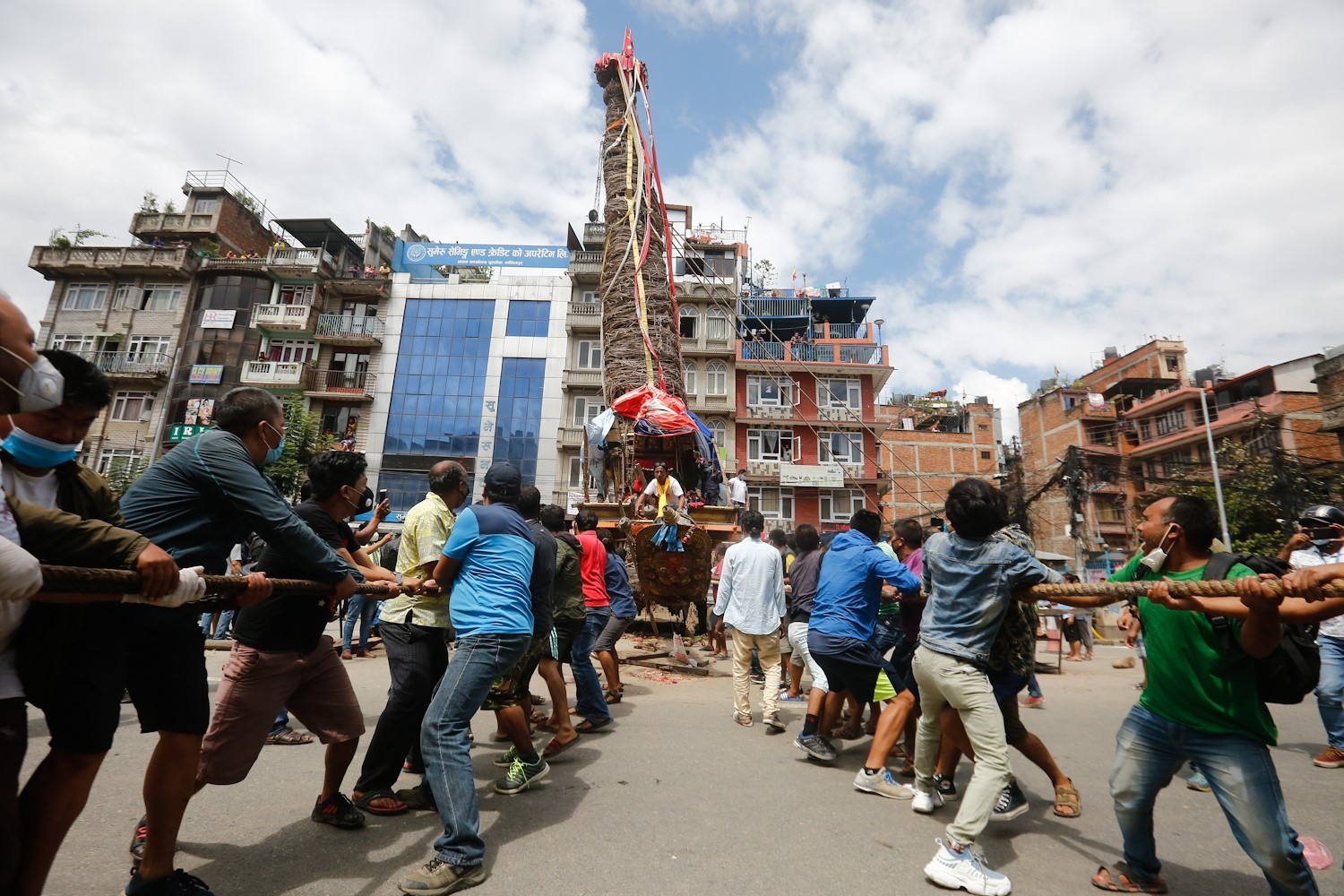 Police stop Patan chariot pulling citing Covid-19