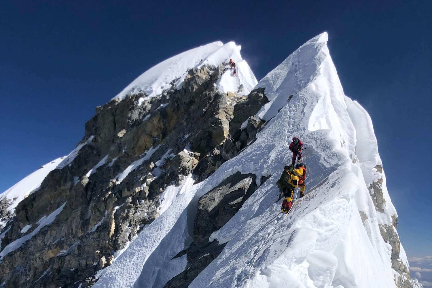 Nepal, China re-measure height of Mt Everest