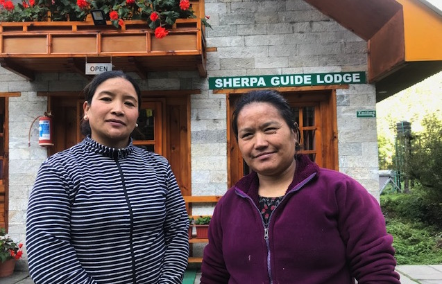 Everest Trail reopens, but cautiously