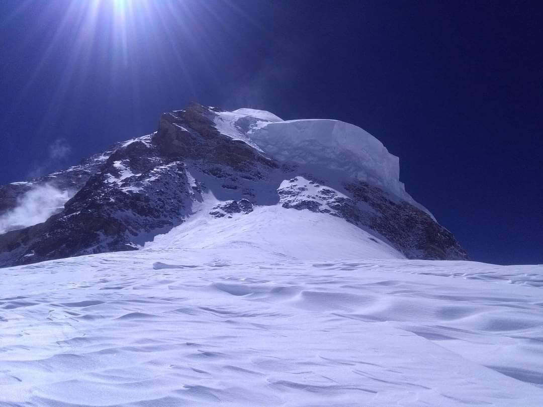 All-Nepali winter first on K2